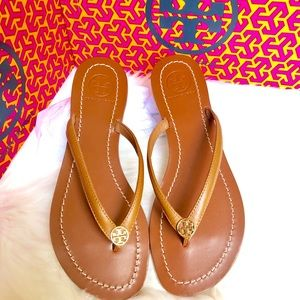 Tory Burch Authentic leather TerraThong sandal 7.